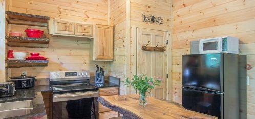 Ash Cave Cabin - Kitchen 2