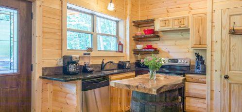 Ash cave Cabin - Kitchen 5