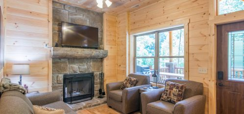 Ash Cave Cabin -Living Room