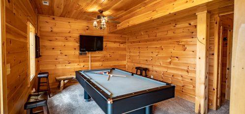 Bear Fork Lodge - Pool Table