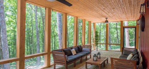 Luxe Haus - Screened-in Porch
