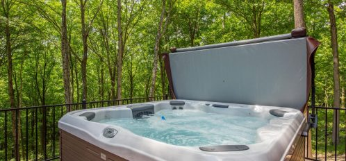 Luxe Haus - Hot Tub on Porch