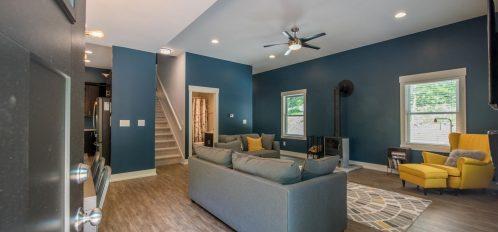 Luxe Haus - Living Room Area