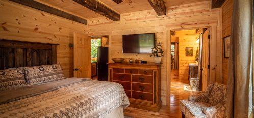 Thelma's Retreat - Bedroom