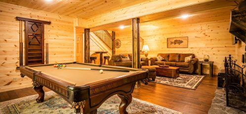 Thelma's Retreat - Downstairs Pool Table
