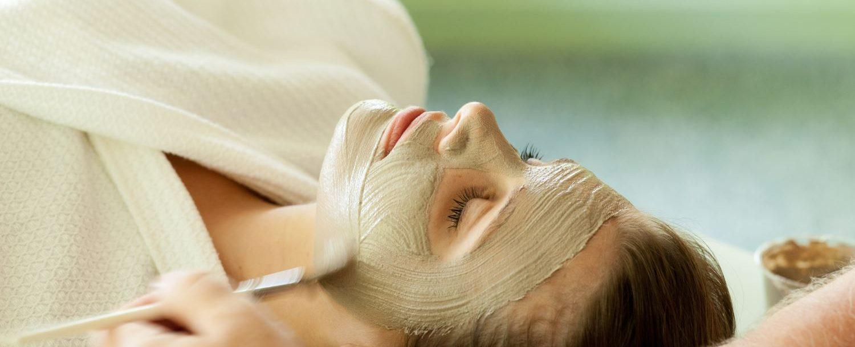 a women getting a facial